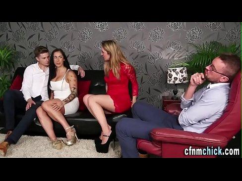Porno Menajere Cu Tate Mari Ce Se Fute Cu Fiul Sefului