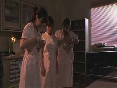 ナースの母乳無料熟女動画。母乳ウィ撒き散らす変態ナース