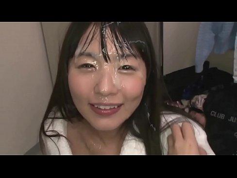 【つぼみ】童顔女優にシコシコ手コキでぶっかけ大成功!!
