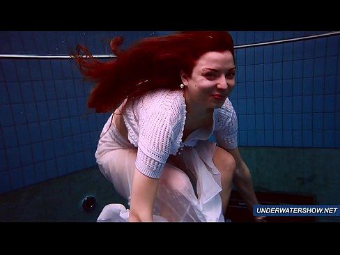 Amazing hairy underwatershow by Marketa 7 min HD+