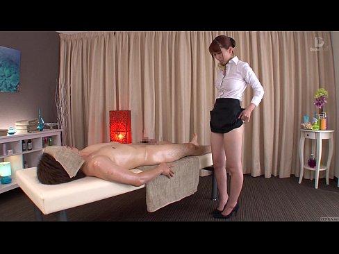 【波多野結衣】股間を駆使したドスケベマッサージでご奉仕する美人エステ...
