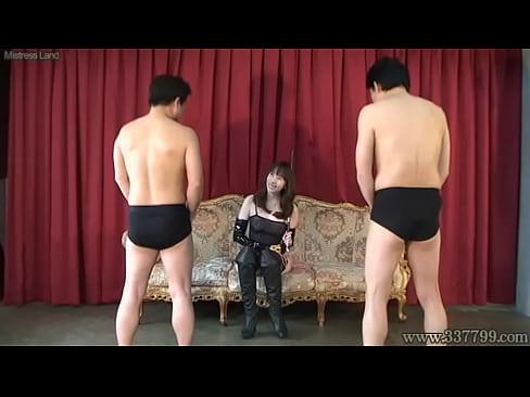 ボンテージの女王様の拷問大量潮吹き動画。M男に色々な拷問プレイをする天真爛漫なボンテージ女王様