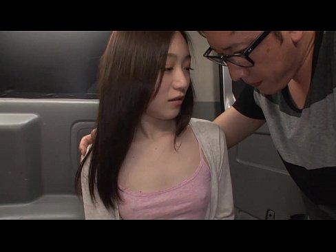 【xvideos】ノーブラのカップルのパイズリ胸チラ無料エロ動画。【カ...
