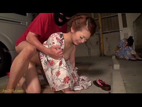 夏祭りの帰りに強姦集団に拉致され凌辱レイプで全身の穴を犯されてしまう美女ギャルたち…