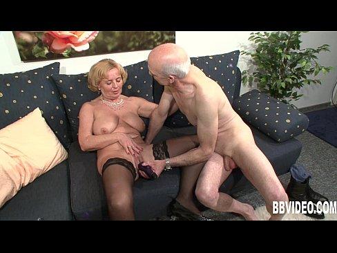 Секс дед с бабкой смотреть онлайн