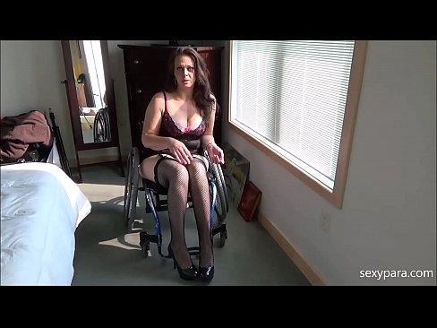Femeie Imobilizata In Carut Se Fute Cu Un Doctor Musculos