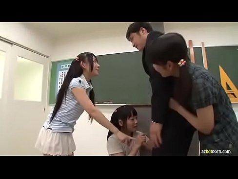 『先生、ちんちん見~せて!』チンポを見たがる教え子小学生と絶対見せるわけにはいかない僕の理性の攻防戦!