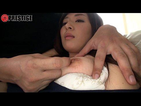 【坂口れな】才色兼備の若妻が興味本位でAV出演!!