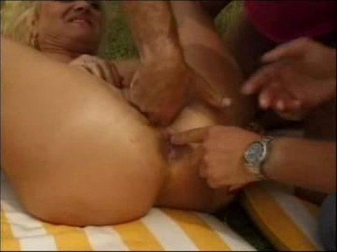 bolshie-yaytsa-porno-onlayn