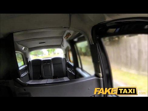 porno-faketaxi-video