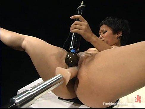 Dragon Lily fuck machine2