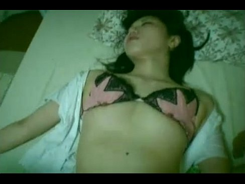 【xvideos】美人なOLの昏睡レイプセックス無料エロ動画。【OL動...