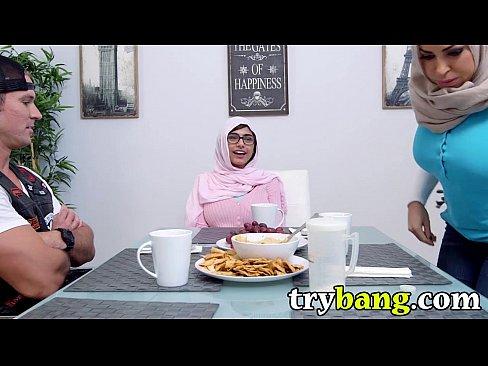 Arab Mia Khalifa & Juliana Vega Stepmom Threesome - TryBang.com