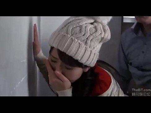人妻の不倫無料jukujyo動画。公園で出会った赤ちゃん連れの人妻と不...