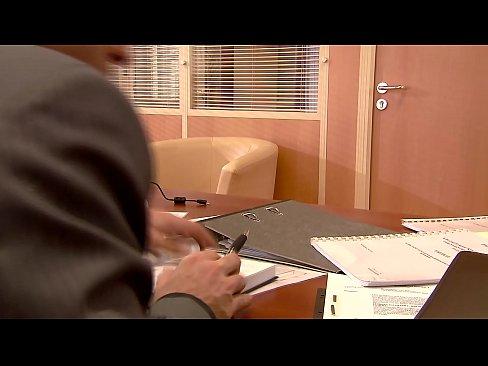 Nikki Thorne - Beim Bewerbungsgespräch dem Chef geritten