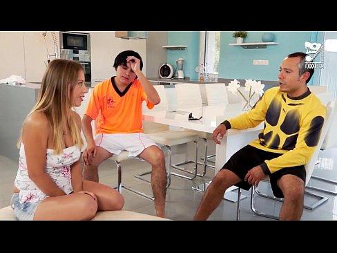 Porno Mexicano, Gang bang mexicans vs hungara cachonda. Nicky thorne!!