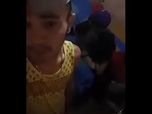 Ninfetinha Chupando Pau