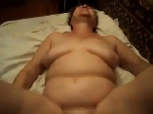 Spy cam caught mom naked after shower 9