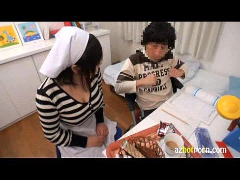 巨乳家庭教師の巨乳を揉みまくり|日本人動画
