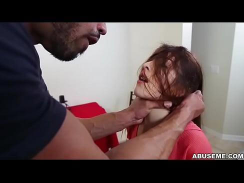 Tanara Eleva Micuta Care Este Dezvirginata De Un Musculos