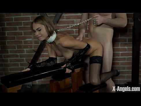 77 Порно видео попал в анал
