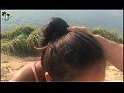 Latina Face O Muie Pe Malul Unui Ocean