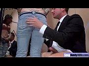 секс с диктором во время репортажа на улице