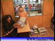 Femme salope suce jeune et mature