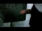 roludo no banheir&atilde_o publico