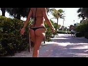 loira gostosa bikini tanga por la.