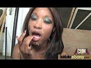 Porno video vierge femme nue gratuite femme avec plug dans le cul