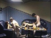 Etudiante pose nue pour un photographe porno nu sexe chez les adolescentes