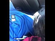 Japonaise coquine branlette dans la voiture
