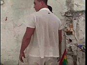 Policial enquadra ativistas da Parada Gay Thumbnail