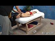 Kåt kvinna söker man erotisk massage göteborg