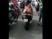 Bunduda na moto