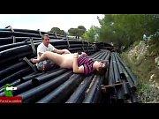 eating pusssy between pipelines. san098