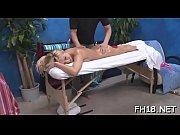 Elle se touche le clito il baise une belle blonde