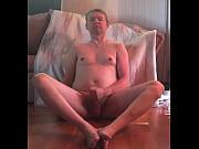 Nackt weibliche figur studie james bond oben ohne mädchen
