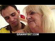 Maman gros salope hurle salope