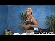 Salope vienne femme nue sous leur jupe