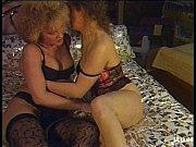 mature lesbians fuck each other