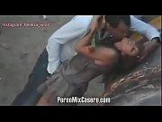 Mi esposa me pone cacho en plena calle, sexo en p&uacute_blico PornoMixCasero.com
