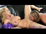 Voir des femmes nues sexy busty milf teasing sur la webcam