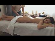 восточная женщина в халате делает минет мужу в порно видео
