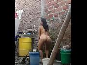 Pouet pouet avec les seins nue femme nue berthe morizot