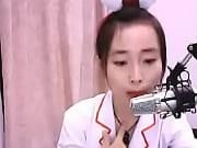 Belle fille asiatique emmental