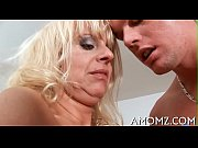 Sultry mama screwed by a sexy guy