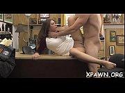 жена трахает нежно мужа страпоном
