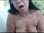 Fille seins nu sous un chemisier photos x de vieilles femmes